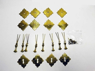 8 Matching Colonial Revival Pendant Brass Pulls & 4 Escutcheons Ornate Chasing, 445-226