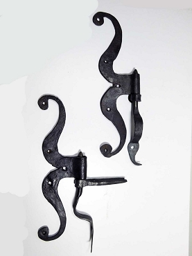 18th Century Side Mount Cupboard Hinges, Wrought Iron, Braced Printles  500-314