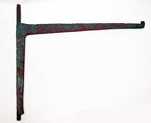 Small early 18th century fireplace crane